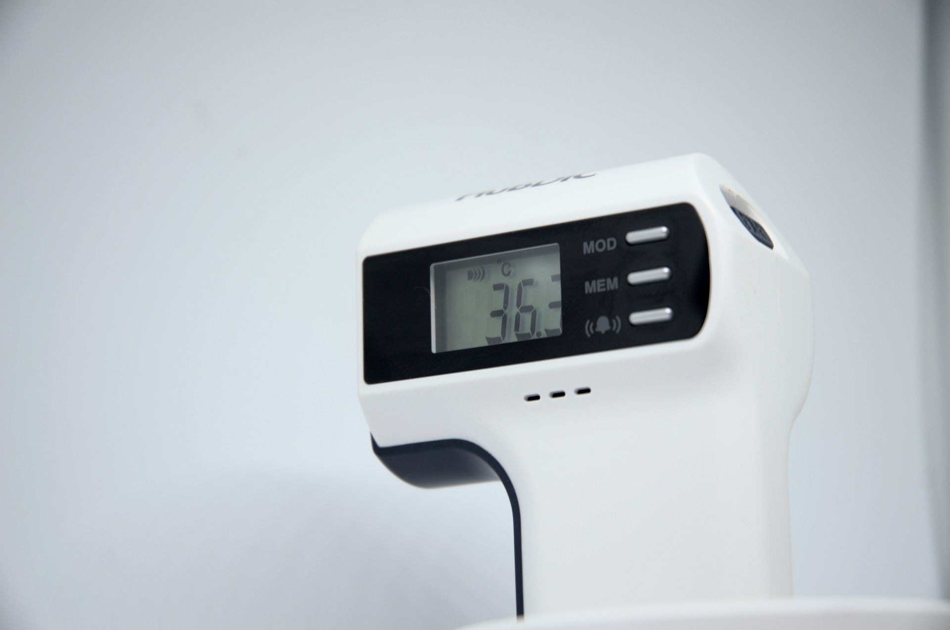 Laser Thermometer Temperatur messen