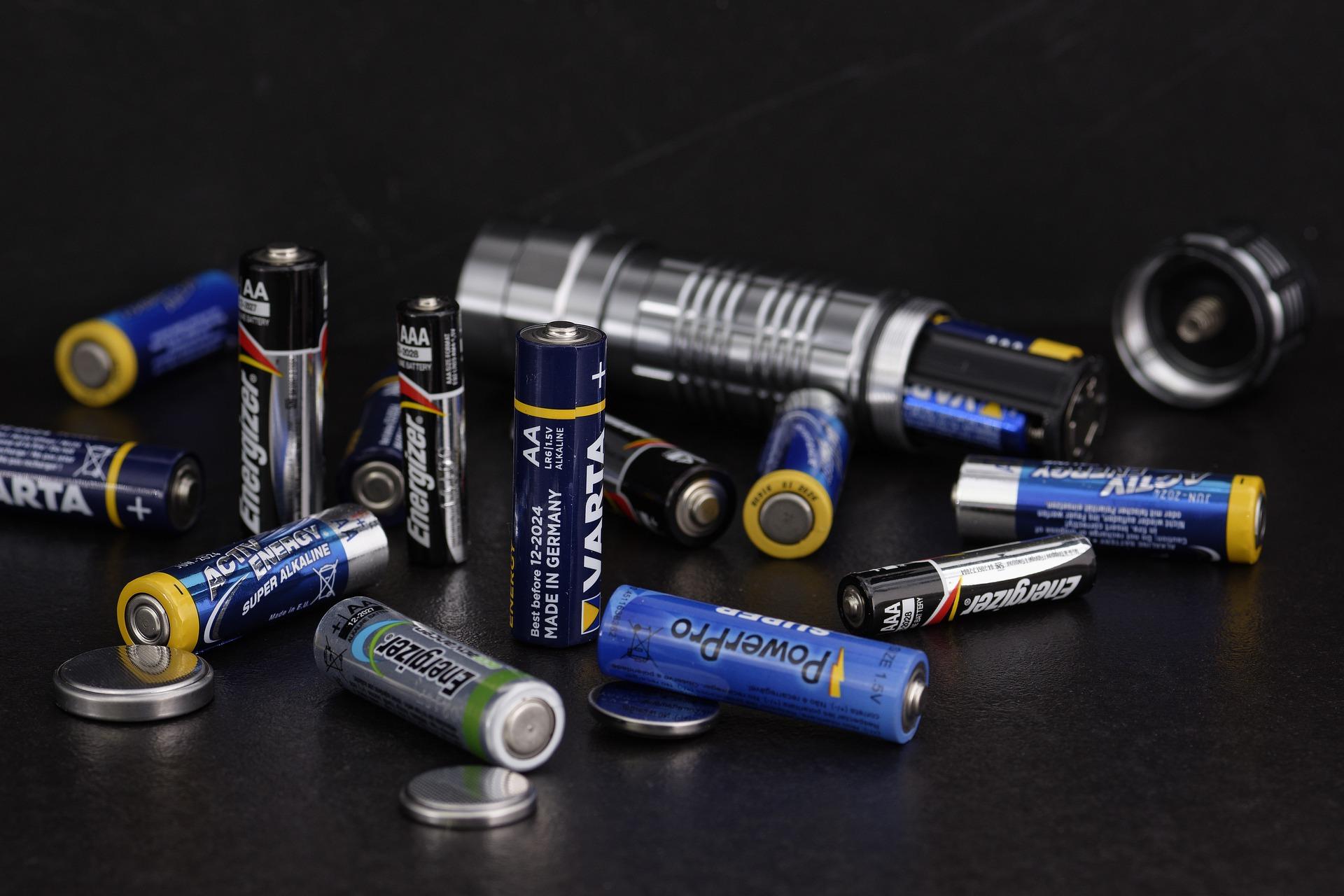 Batterietester verschiedene Groessen