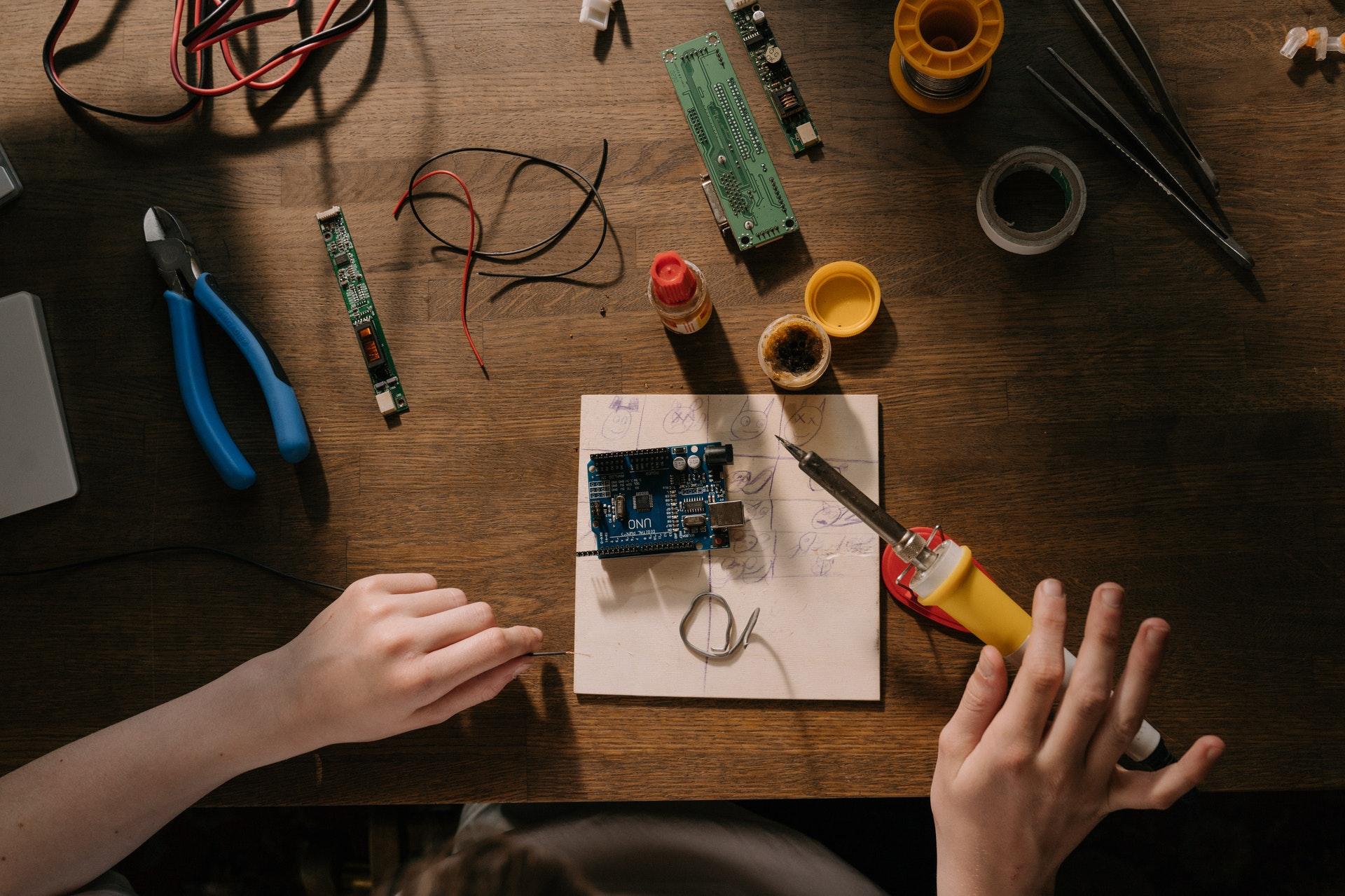 Aderendhuelsenzange fuer Kabelverbindungen